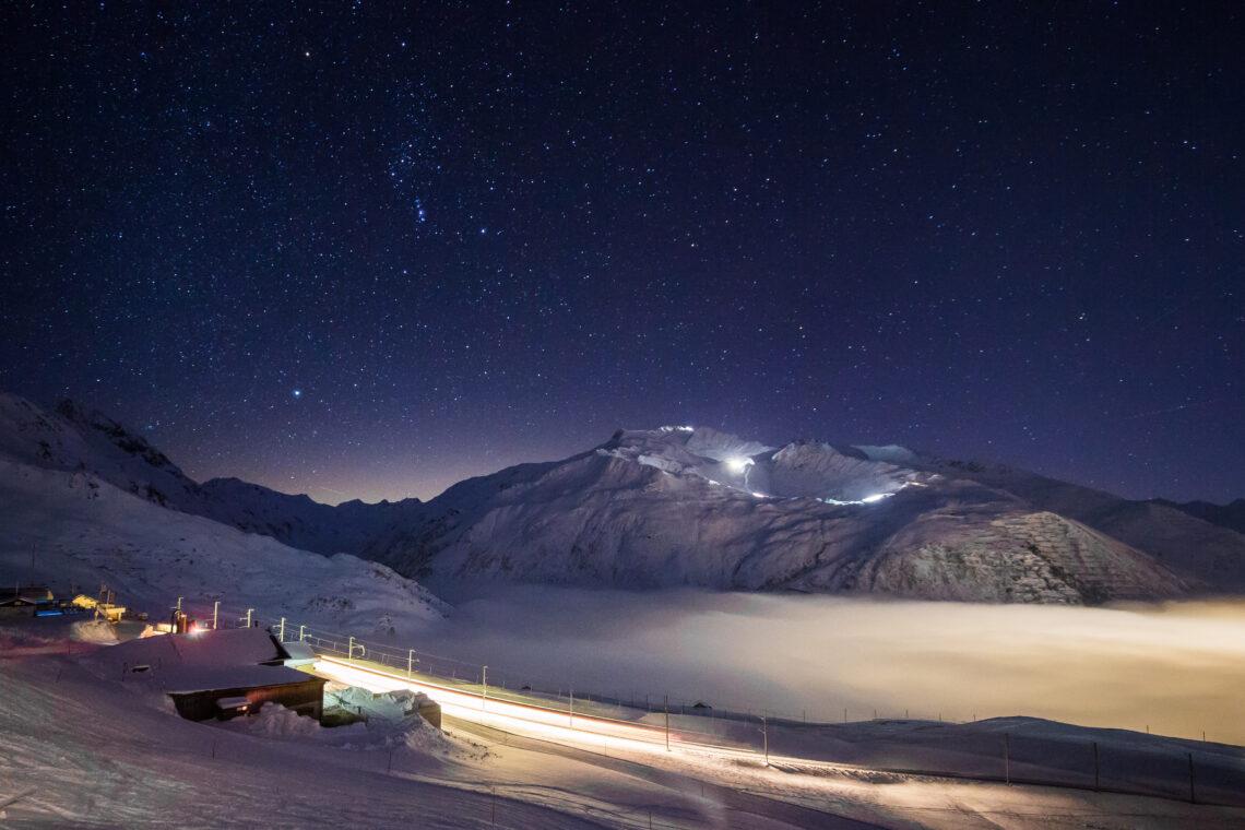 Käsespezialitäten probieren und diesen Sternenhimmel geniessen am Sundowner Saturday in der Alp-Hittä