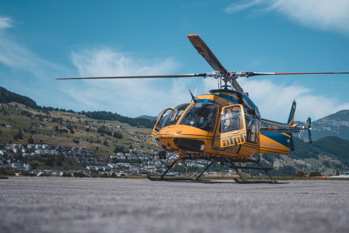 Der Heli von Alpinlift vor dem Helikopter-Rundflug