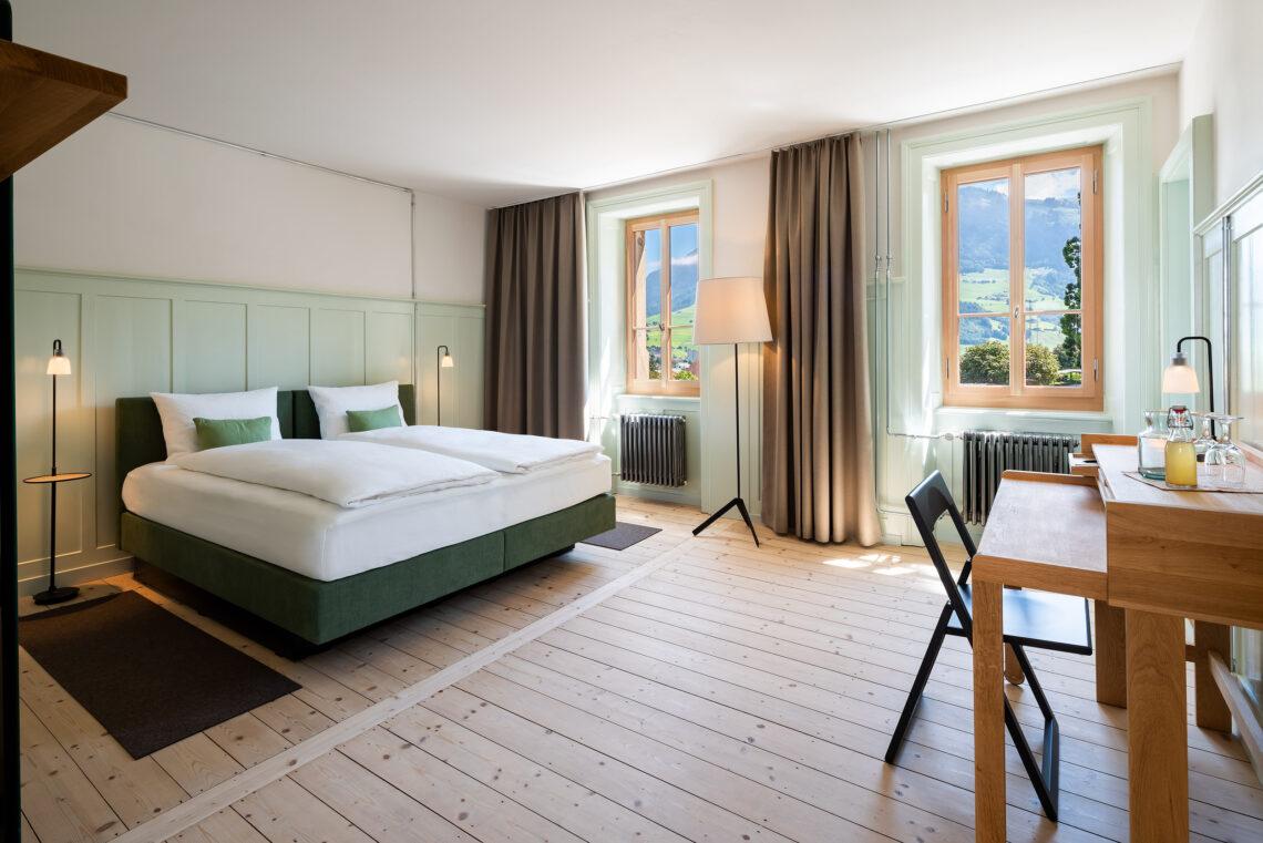 Ein Herbergszimmer mit Blick auf das Buochserhorn.